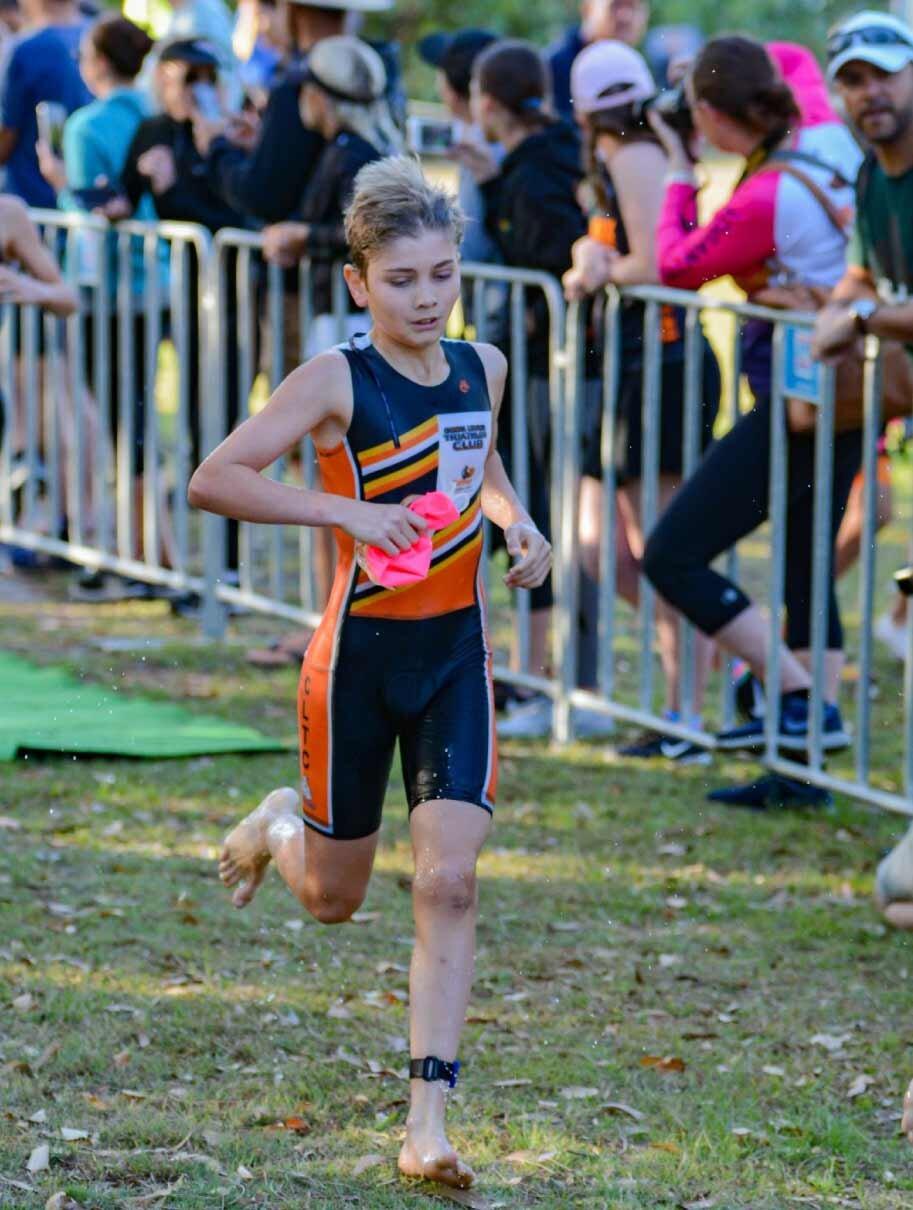 blog-2019-robina-r1-junior-boy-run.jpg