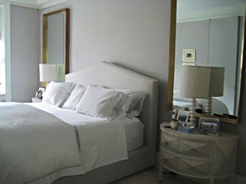Light-Tan-Room-Bed-2-Mirrors.jpg
