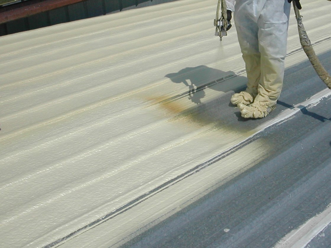 4-Spray-Polyurethane-Foam-roofing-helps-to-insulate-this-cold-metal-roof-with-a-minimum-coating-of-one-and-half-inches..jpg