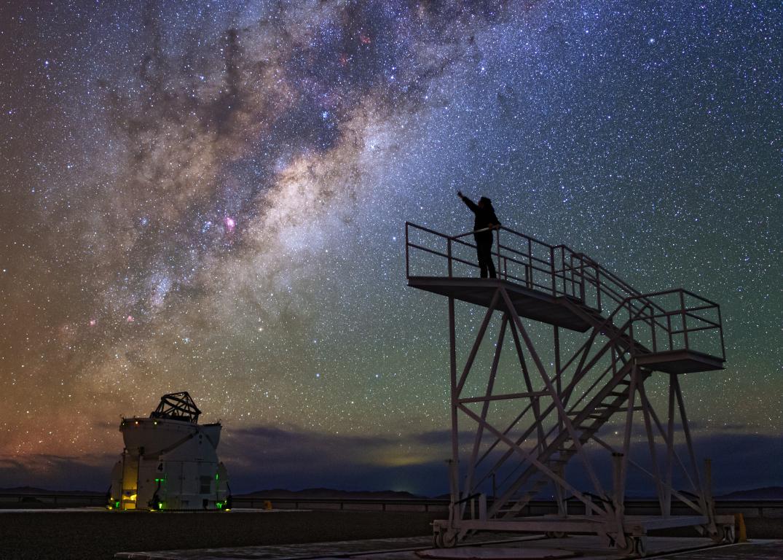 bg-site_look-to-the-stars.jpg