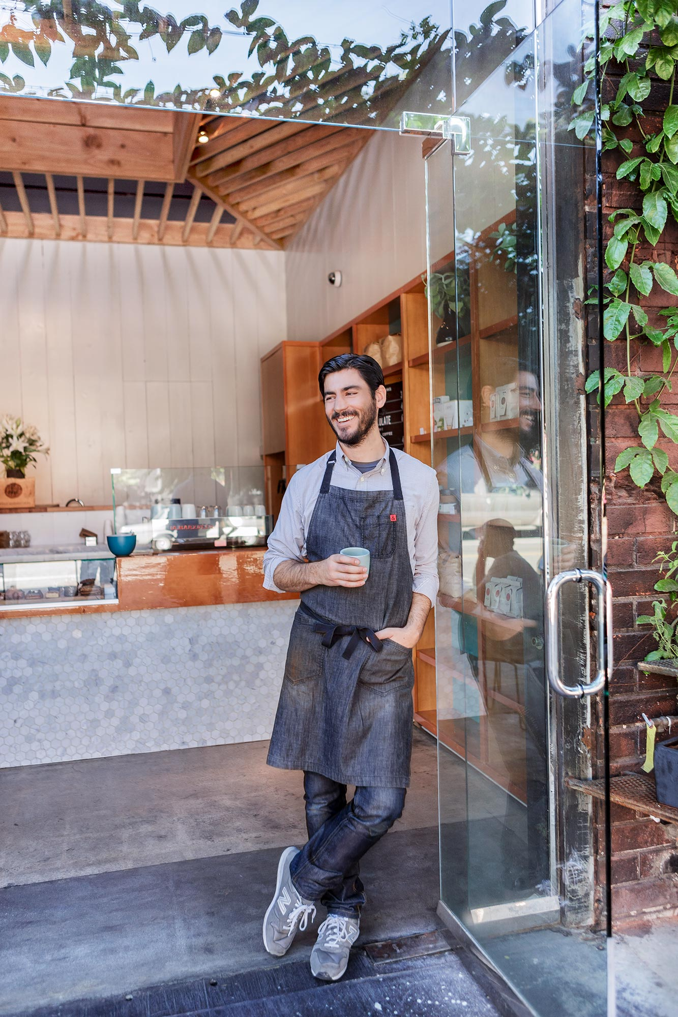losangeles-artsdisctrict-coffeeshop-barista-shoes.jpg