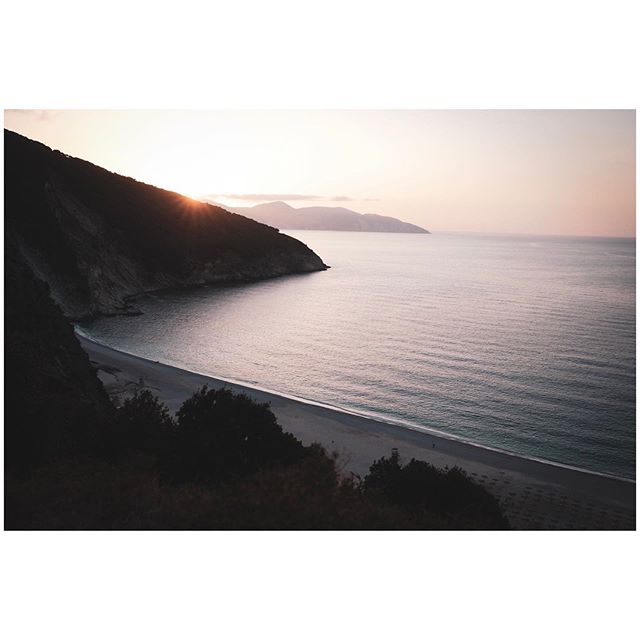 Myrtos Beach Sunset  #travel #travelphotography #travelphoto #photography #lensculture #lensculturediscovery #travelgram #travelaroundtheworld #latergram #beach #myrtosbeach #myrtos #water #bestofgreece #greece_travel #greece #ilovegreece #fujifilm #fujifilmxt3 #23mmf2 #fujifilmglobal #fujifilmxseries #fujilove #photooftheday #travelgram #natgeo