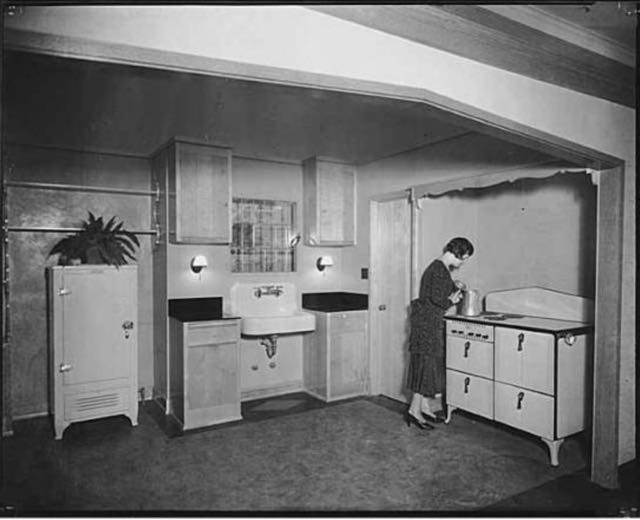 Woman Kitchen 1932.jpg