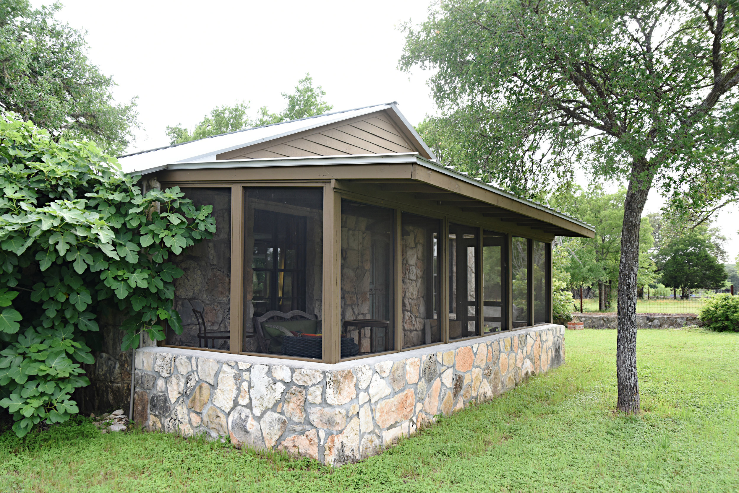 Book your stay at the Rockhouse at the beautiful Camino Ranchito in Wimberley Texas.