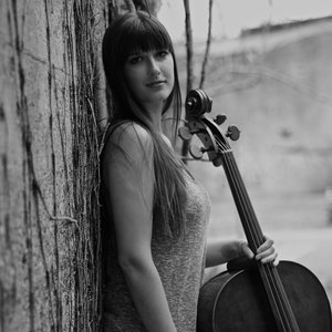 MELODIE CHASE   CELLO