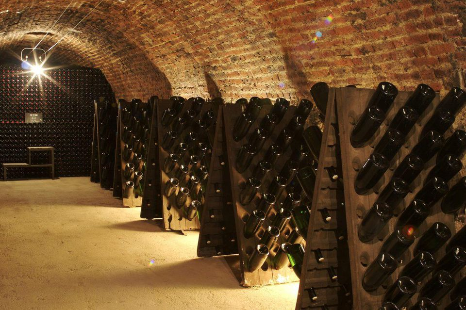 https___blogs-images.forbes.com_brianfreedman_files_2018_10_Champagne-Jacquart-Caves-1200x799.jpg