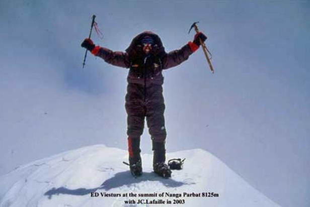 Ed Viesturs Nanga Parbat summit.png