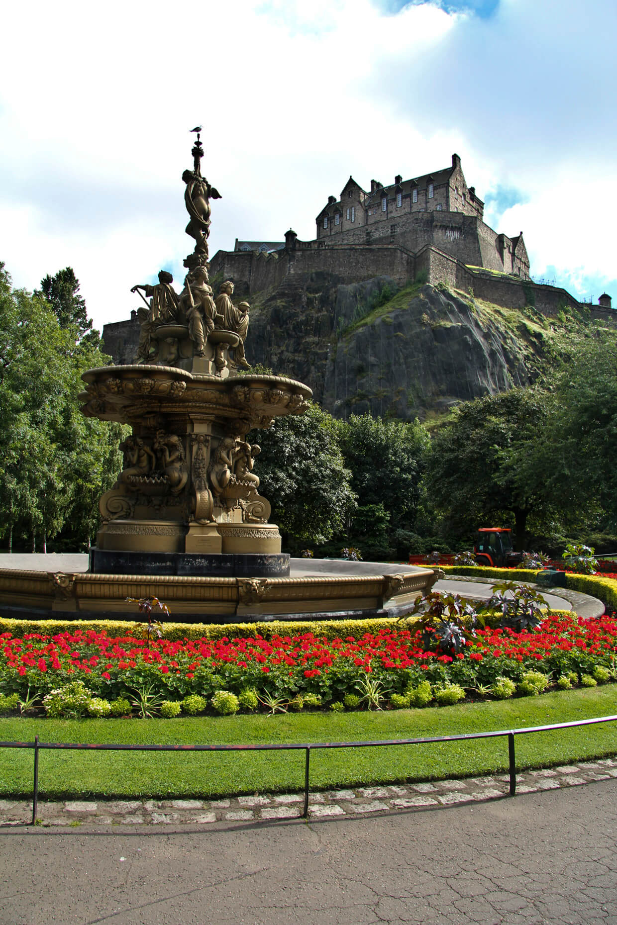 007_Edinburgh_HeartOfTheCity_Web_011.jpg