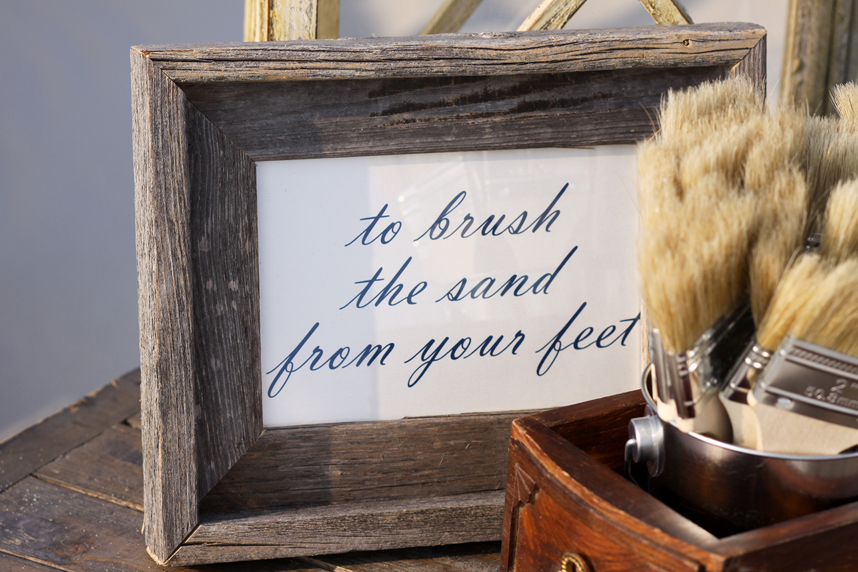 4 Sandy Feet sign.jpeg