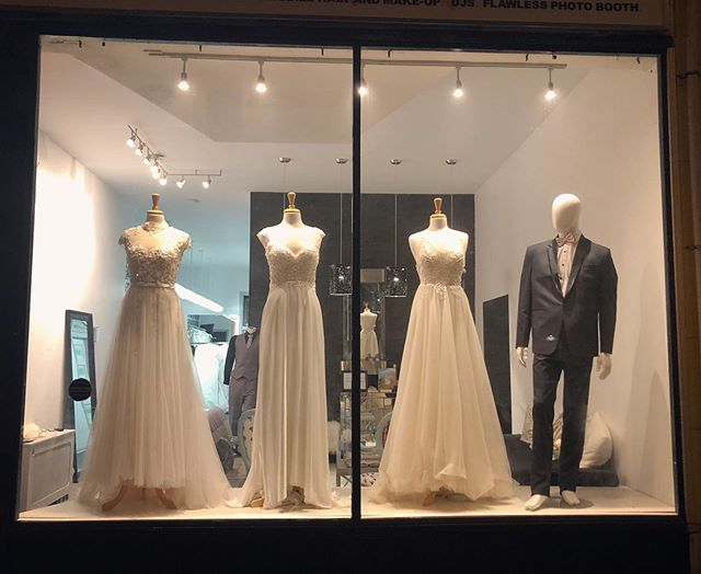 Our night view 😍😍😍 slowly settling in to our new spot! . . . #jevisbridal #shesaidyestothedress #weddingdresses #weddingdress #weddingdressshopping #weddinggown #weddinggowns #torontobridalshop #torontobridalstore #torontodesigner #canadiandesigner #bridesmaiddresses #flowergirldresses #eveningdresses #wegotitall #customweddingdresses  #madetofitweddingdress #veils #customveils #weddingveils