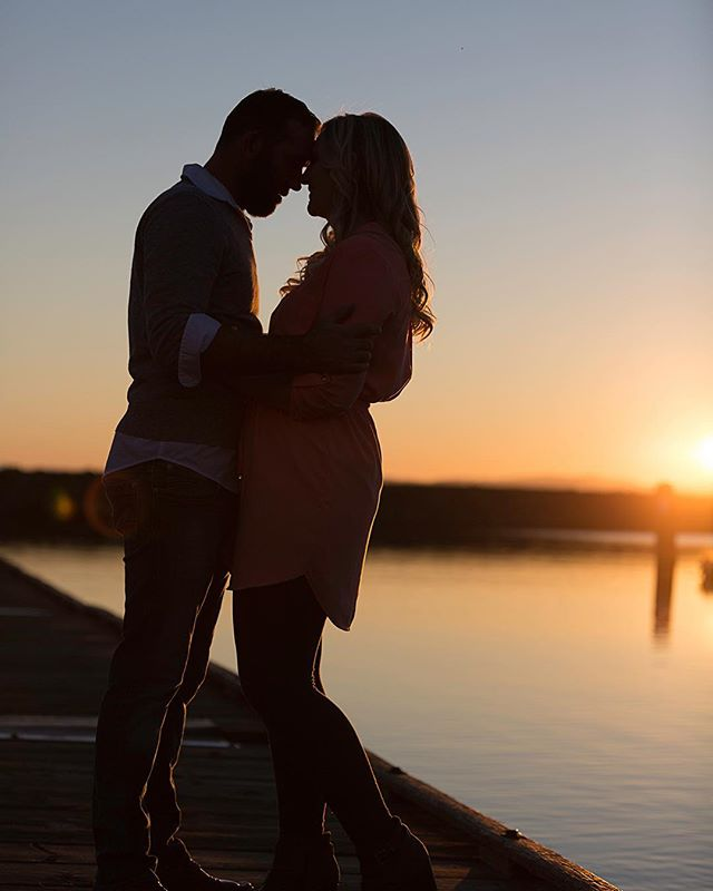 A sunset engagement session last year. Just delivered their wedding photos :) #sunset #sunsetbeach #westcoastengagement #sunsetengagement #sunsetengagementphotos #sunsetengagementsession #sweetcouple #lovlycouple
