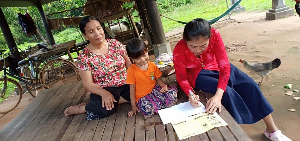 Trapeang Kdol Village Based Preschool Teacher Ken Vannak. អ្នកគ្រូ កេន វណ្ណៈ គ្រូមតេ្តយ្យសិក្សាសហគមន៌ភូមិ ត្រពាំងក្តុល