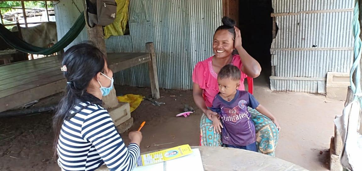 Sre Prey Village Based Preschool Teacher Khin Sreytouch. អ្នកគ្រូ ឃិន ស្រីទូច គ្រូមតេ្តយ្យសិក្សាសហគមន៌ភូមិ ស្រែព្រៃ