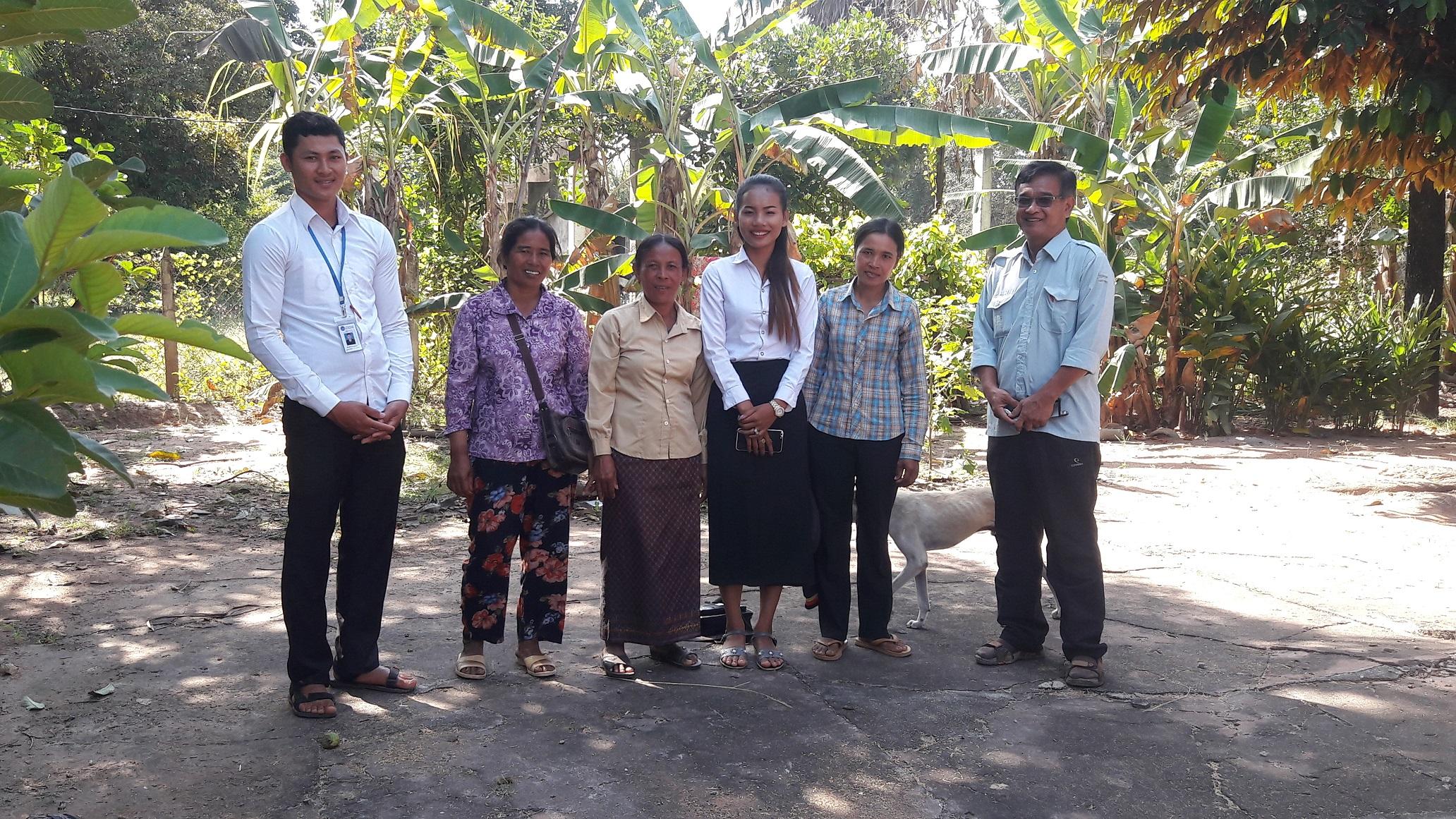 រូបថត៖ ក្រុមការងារអង្គការ ពិនិត្យទីតាំងភូមិពាំងល្វា  Photo: CCAFO Team visit Peang Lvea Village
