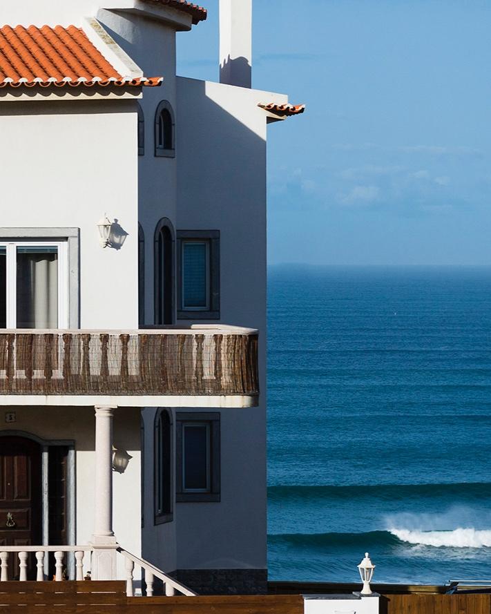 Slide_Laneez_Ericeira_surfhouse_Front-1.jpg