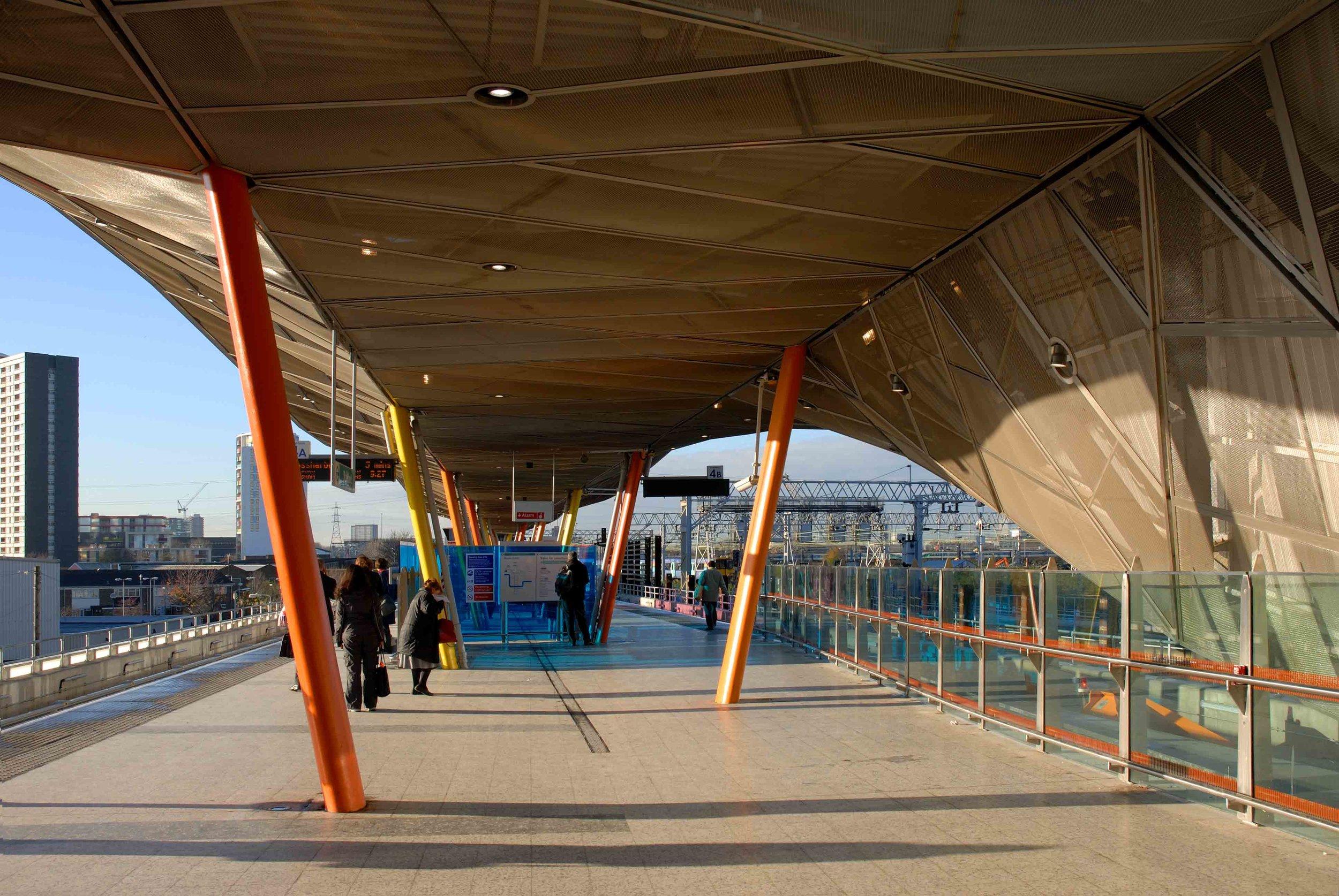 Stratford DLR station platform design