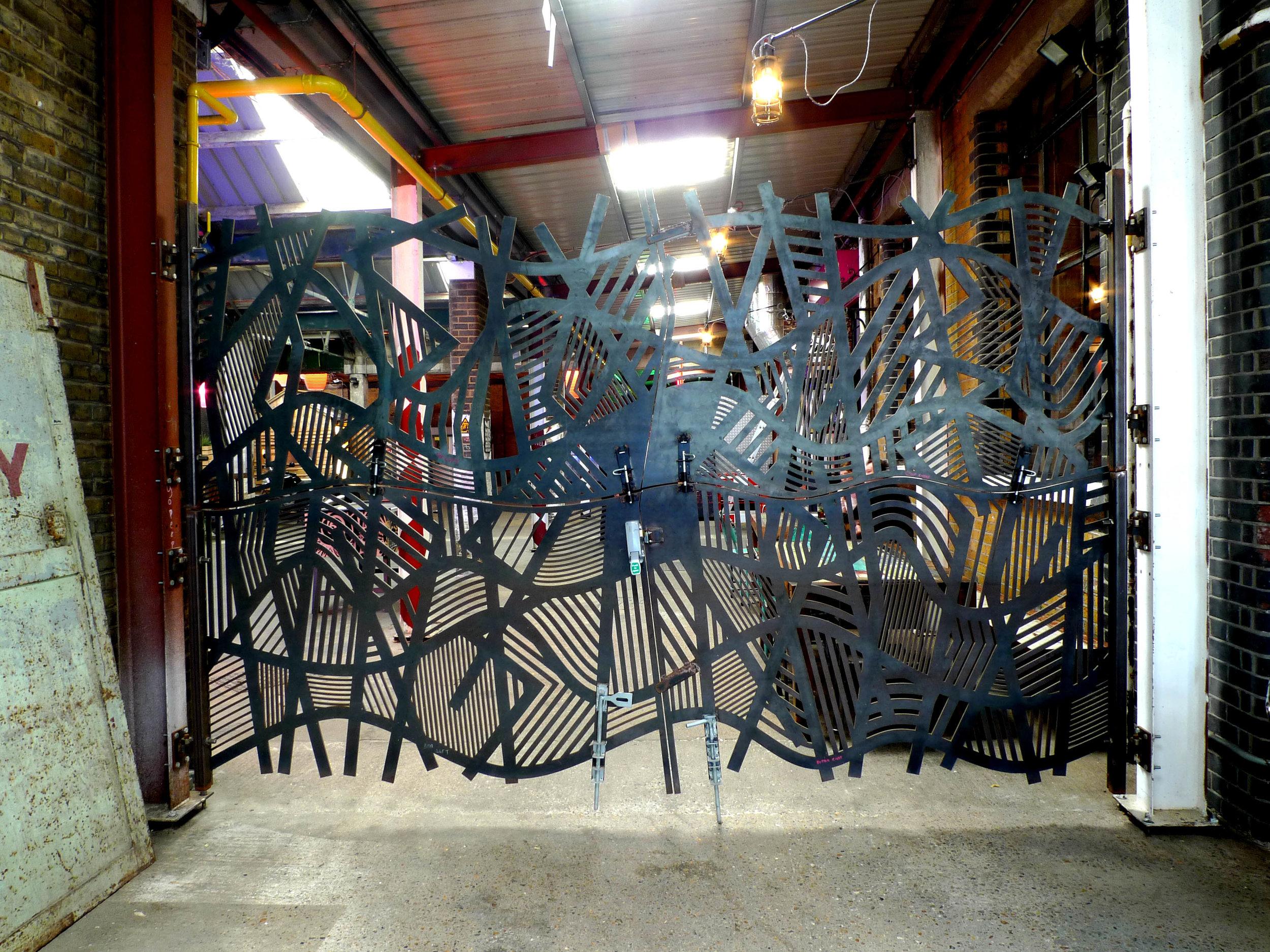 Doodle bar gate product design