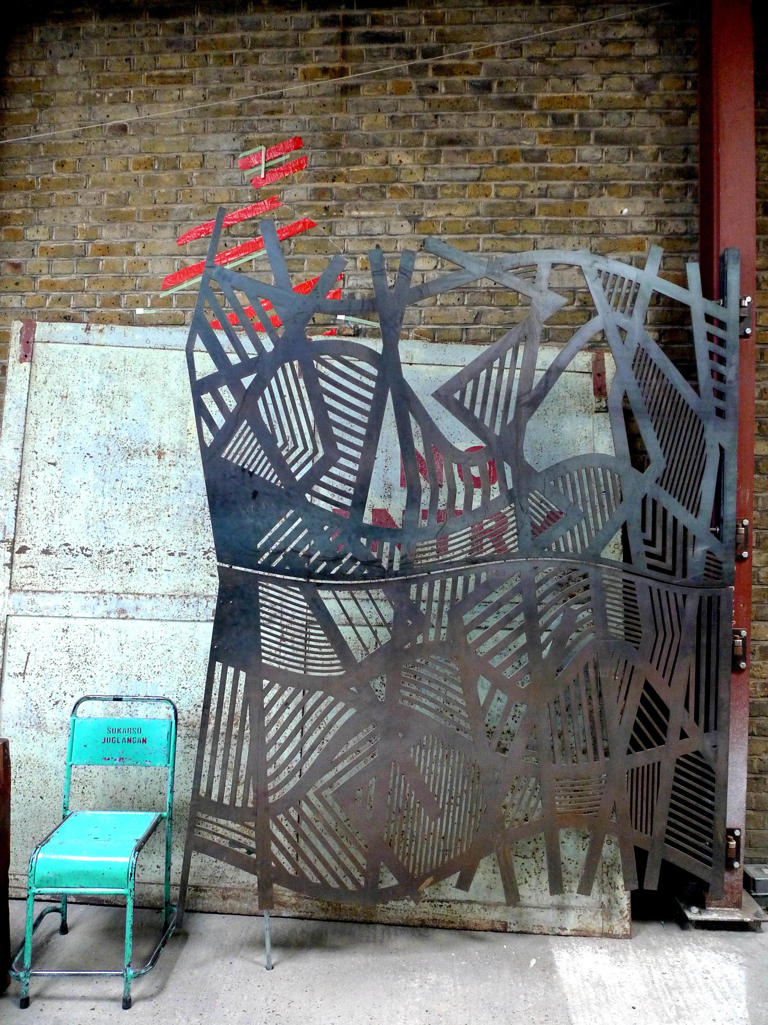 Doodle bar steel gate design