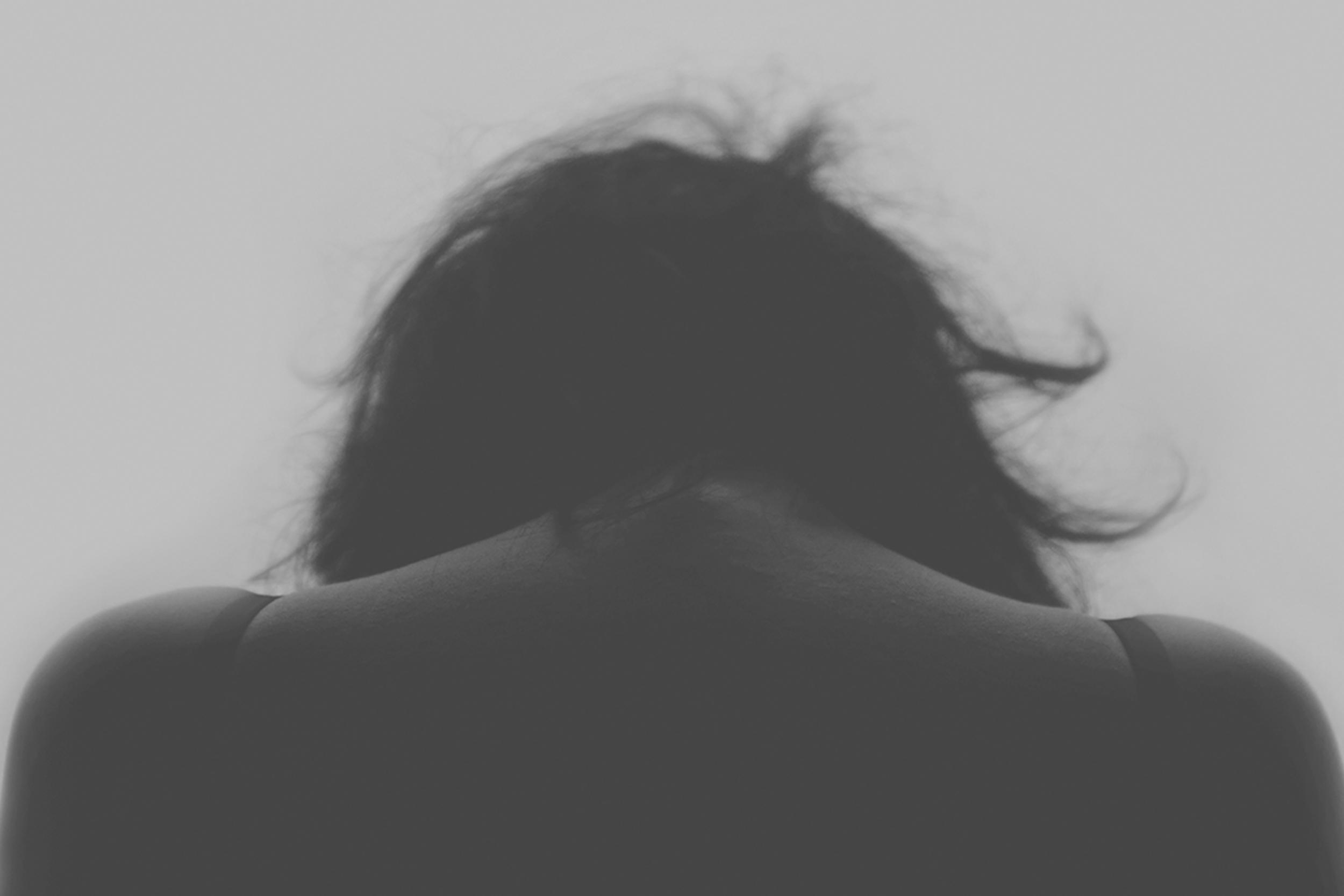 Verdriet is een verwerkwoord - Soms zijn er momenten in je persoonlijk leven waarin er verdriet is. Dit kan veroorzaakt worden door het verlies van een dierbare, fysieke en/of mentale klachten, problemen op je werk of het verliezen van werk. Een natuurlijke reactie is vaak om de ander niet te laten zien hoezeer je geraakt bent door dit alles.