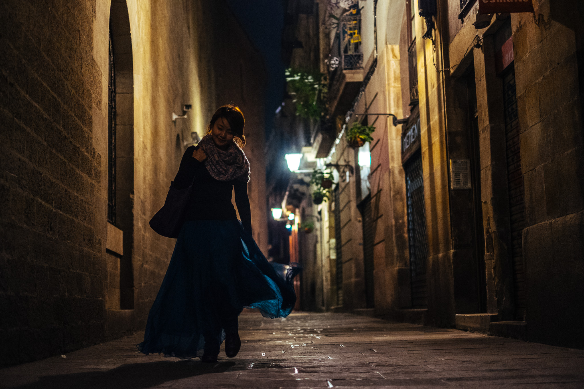 The alleyways of Barcelona has a definite charm when the night lamps come on…