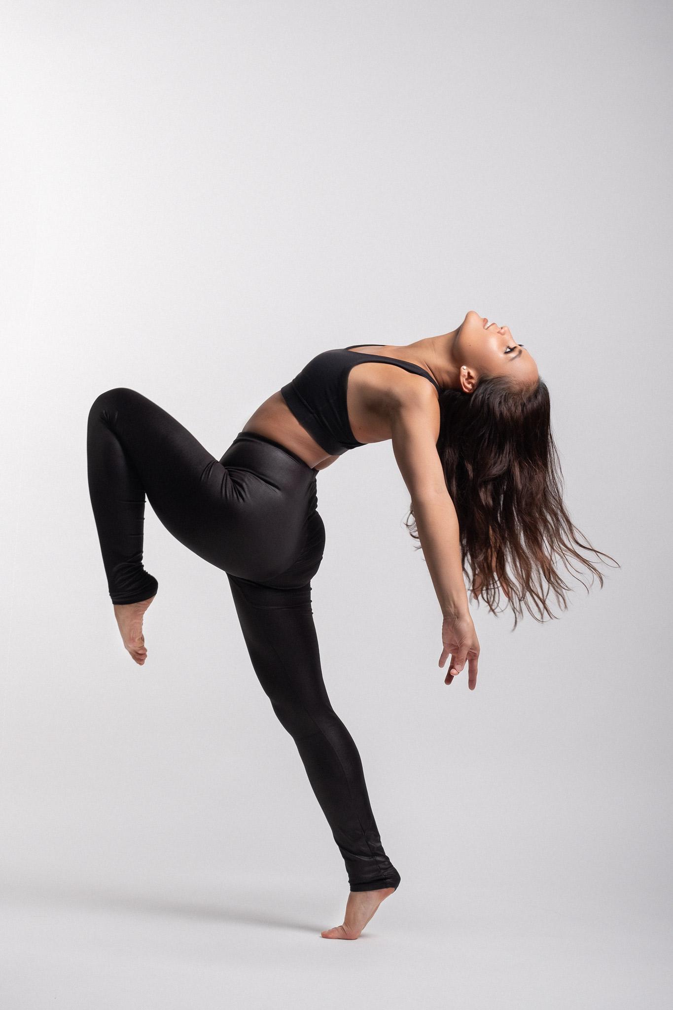 2018_10_18_Jessica_Dancer_02_web.jpg