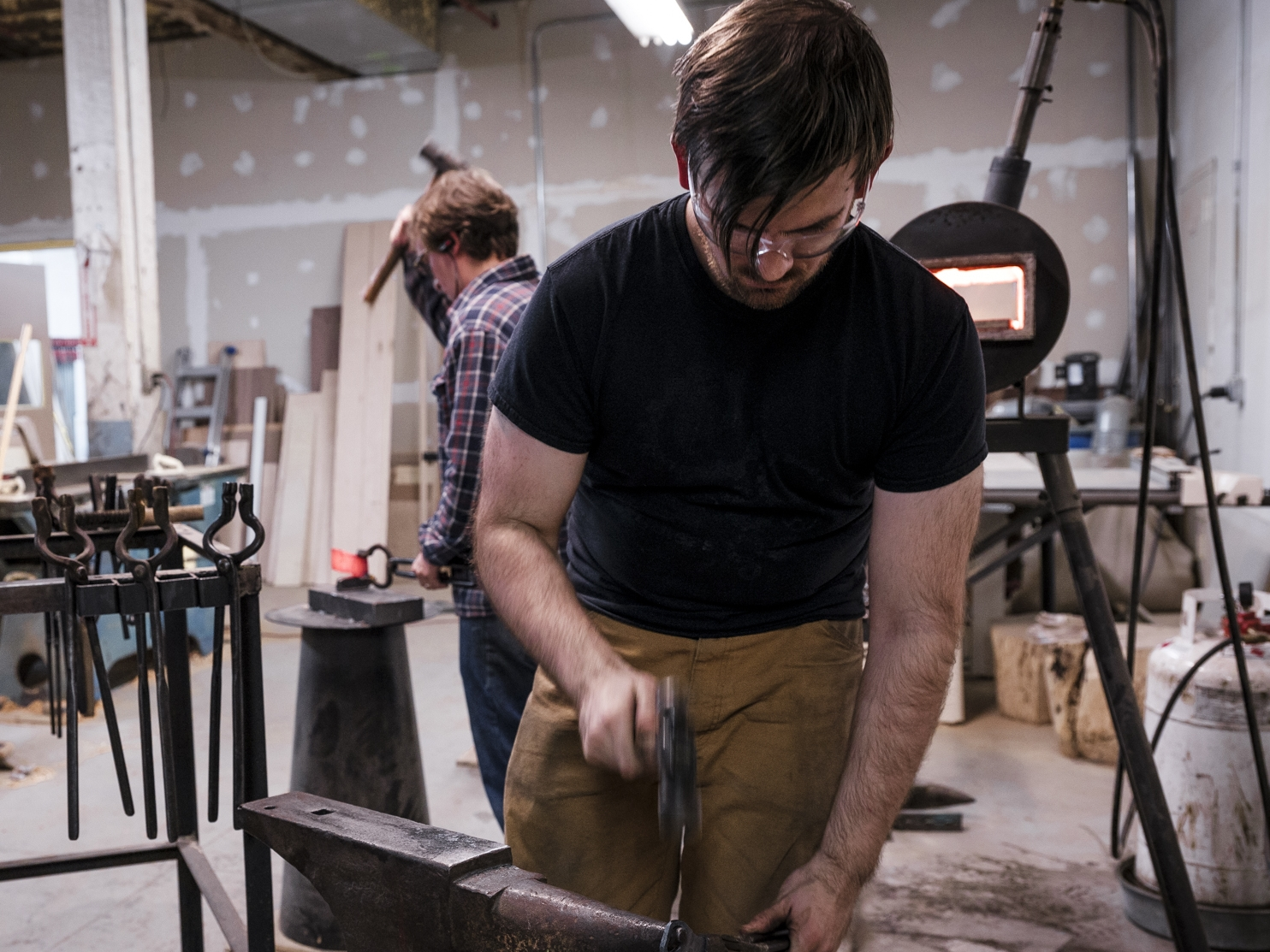 Chris Gampat Justin Kirck as a Blacksmith (39 of 41)ISO 32001-40 sec at f - 5.6.jpg