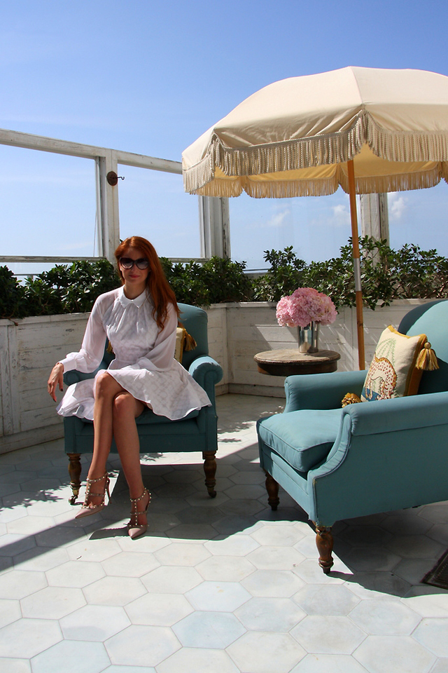 I AM WEARING:    Paul & Joe Sister    Robette White Dress //    Bulgari    Cat Eye Sunglasses //    Valentino    Rockstud Pumps