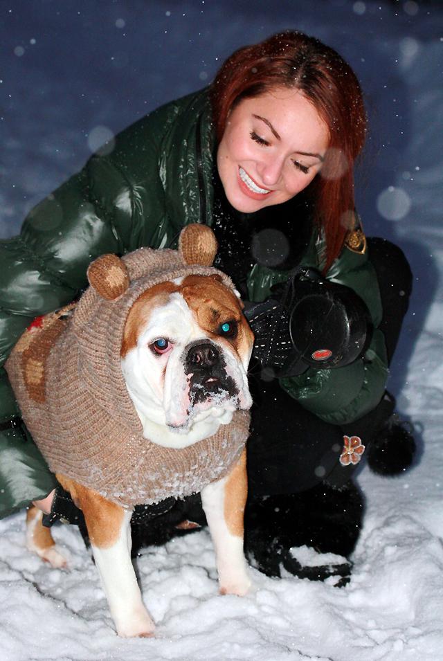 I AM WEARING:     Eleven Elfs    Apres-Ski Jacket //    Manitobah Mukluks    Metis boots //    Moschino    Suede Gloves
