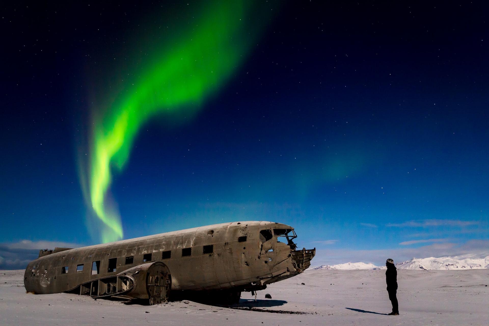 Northern Lights over DC-3 plane wreck