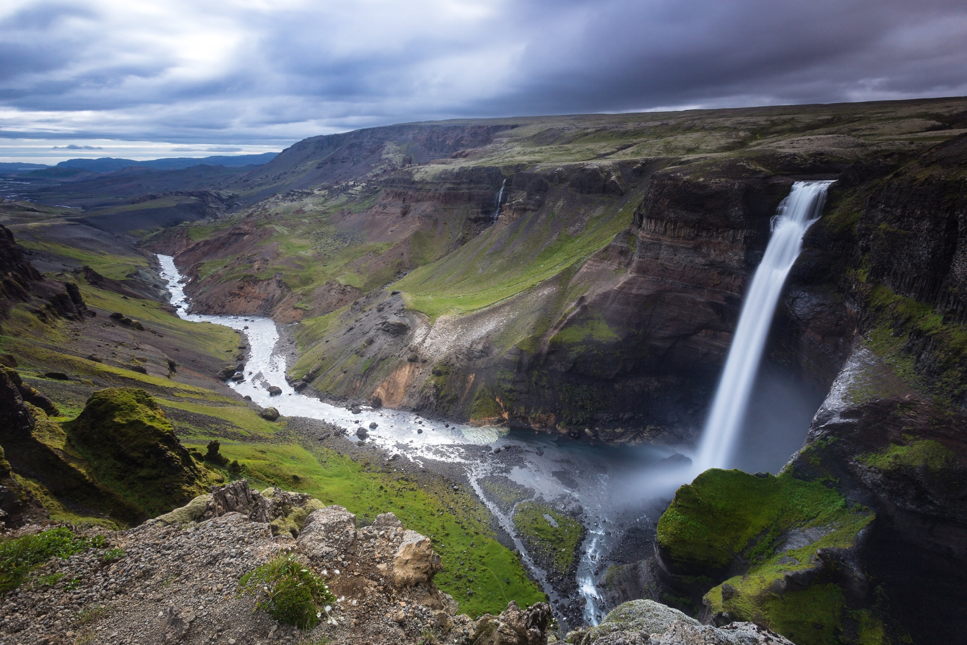 This amazing waterfall is called Háifoss and is approxamitely 122 meters high. It's hidden away in a canyon in the highlands. Have you been up there?