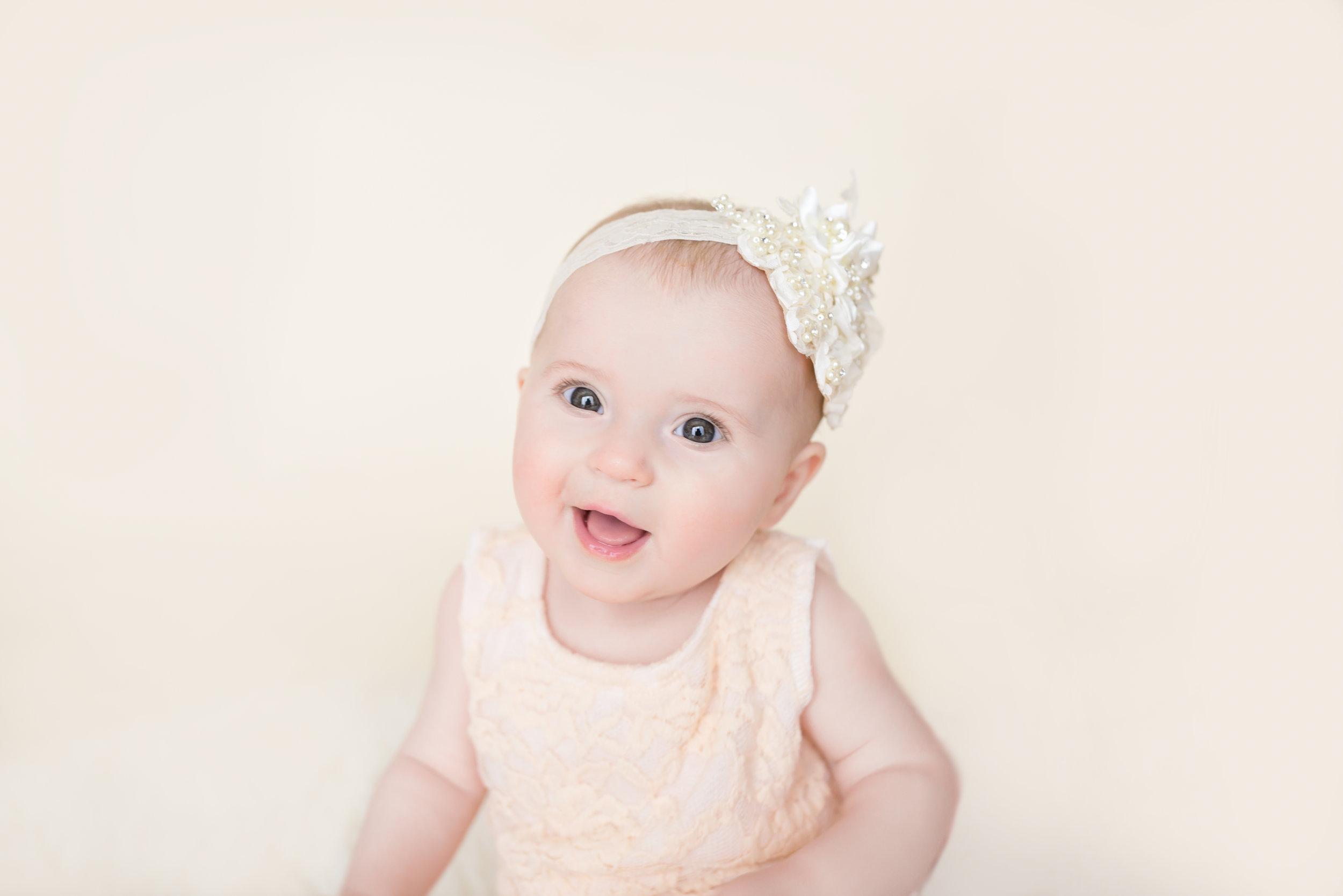 Emma s 6 Month Session-emma-0030.jpg
