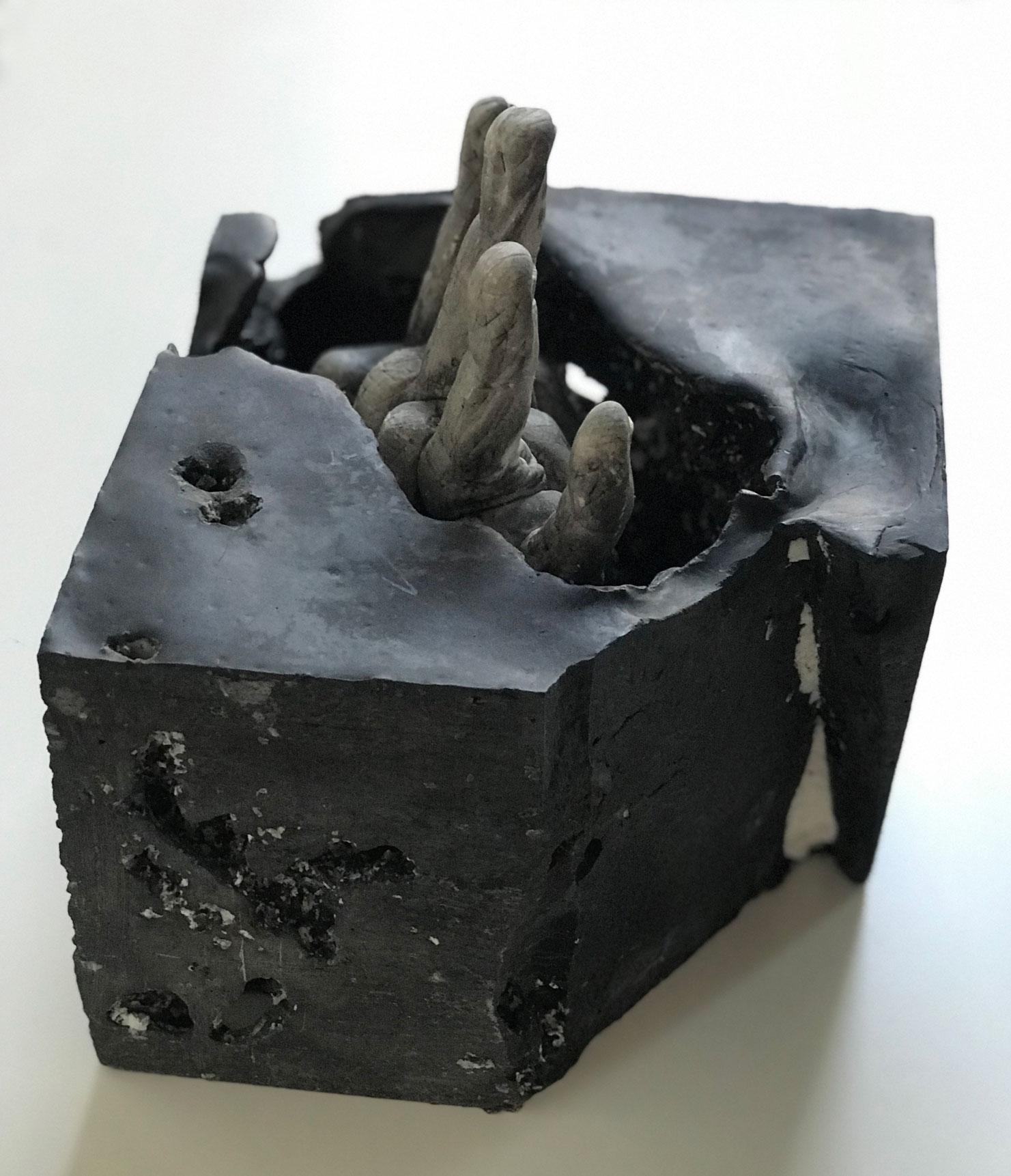 Wendy_Richmond_hand_sculpture
