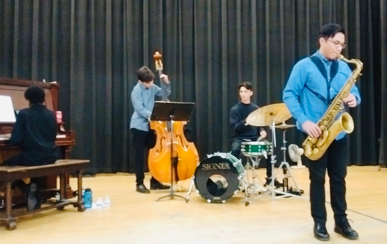 Jazz students entertaining the crowd at our recent Crab and Spaghetti Feed Fundraiser.