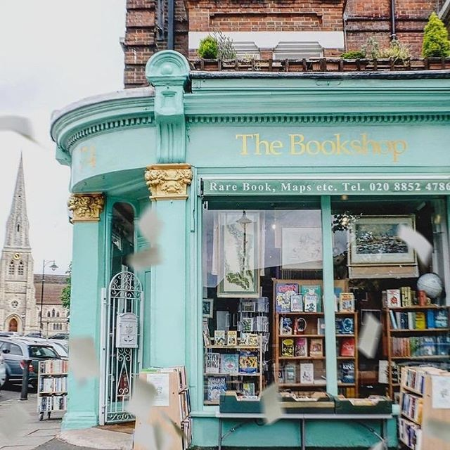 The smell of paper press in bookstores really pushes our buttons and the nostalgia of print is why we started our journal. What stores would you love to stock Indent Journal? Let us know we have big plans ahead! #indentjournal #bookstore #london #aconsciouslife #printpress