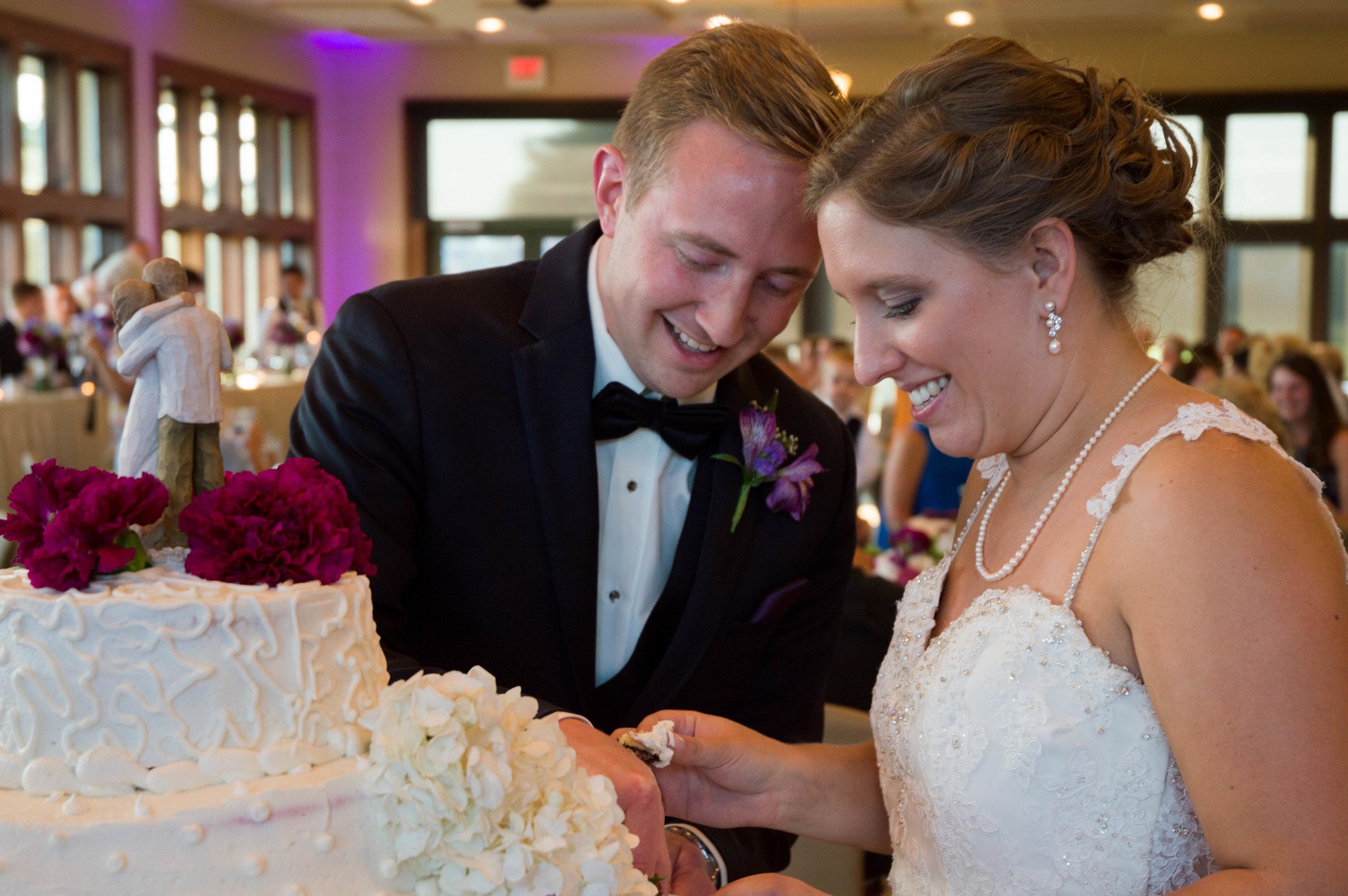 Wisconsin Wedding Photographer, The Legends in Hartland, Wisconsin Bride