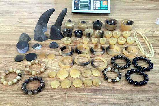 Beaded bracelets rhino - Wildlife Justic Commission.jpg