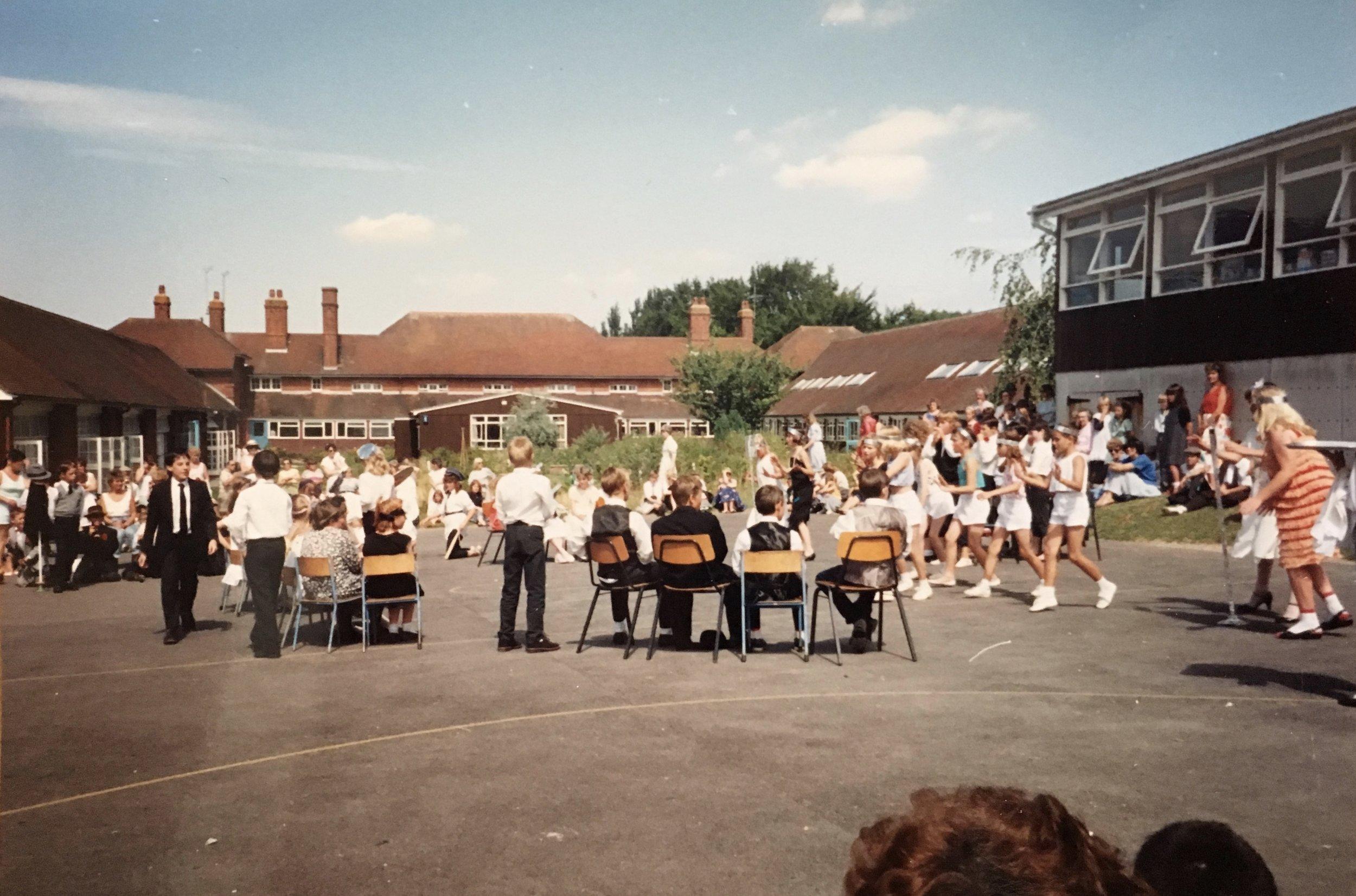 Stanmore Jubilee Day, 14 July 1989 Year 6 1920's Speakeasy Sketch