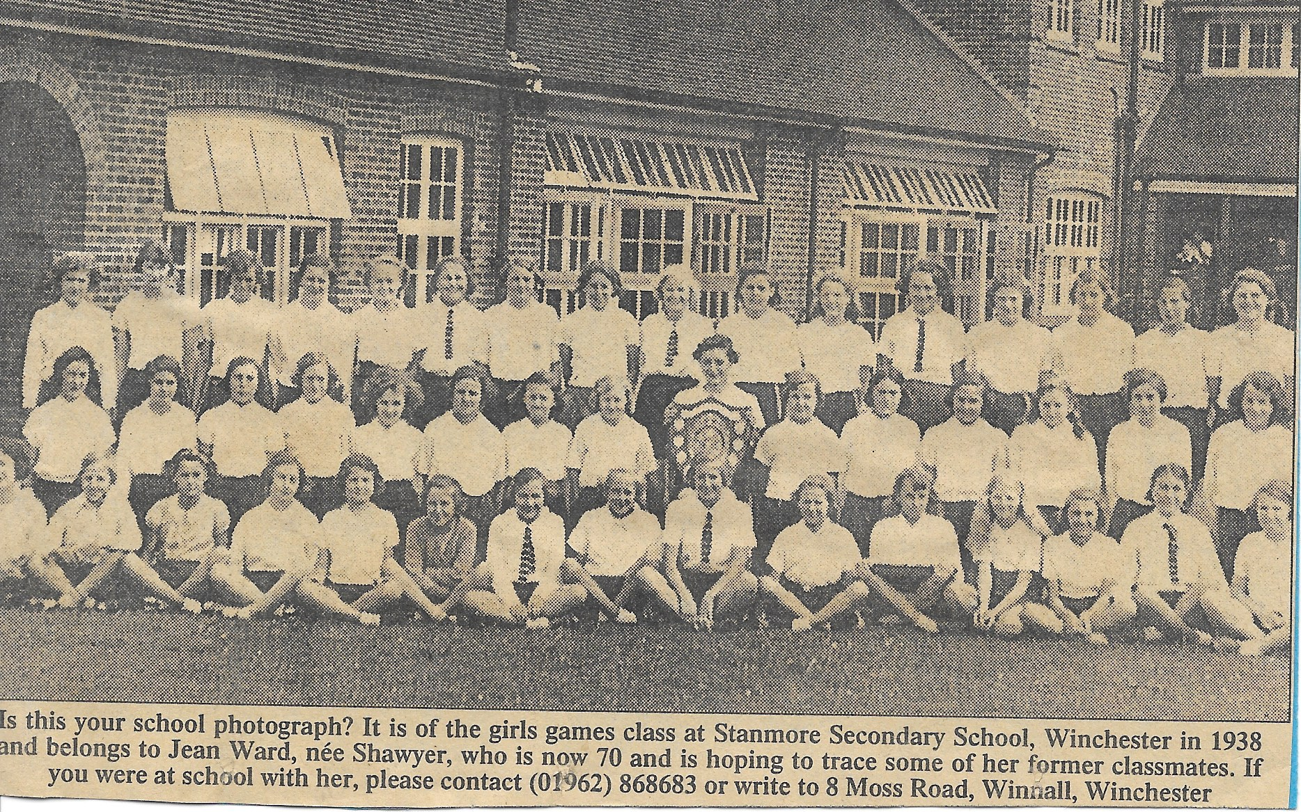 Girls games class at Stanmore Secondary School, Winchester in 1938