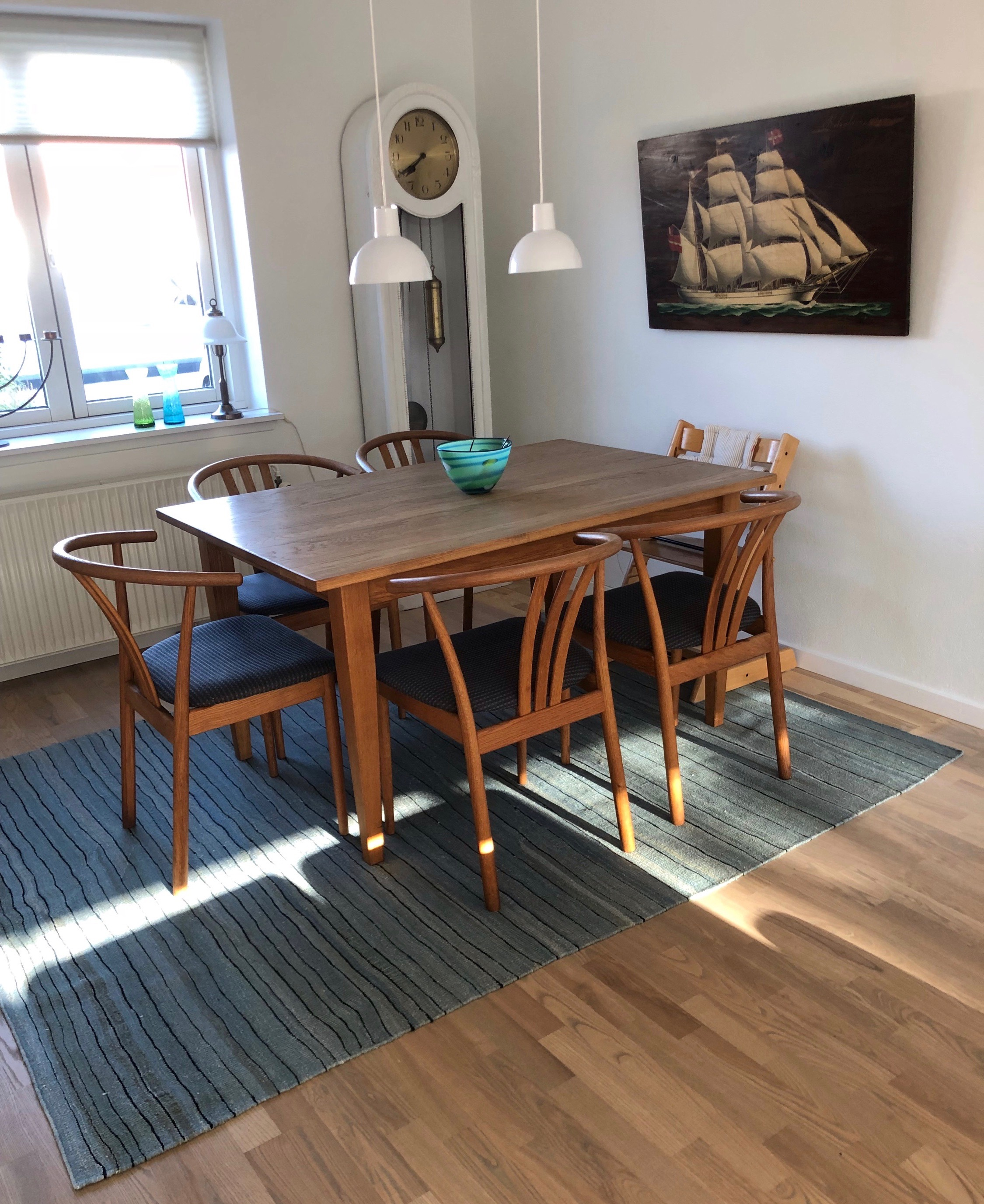 Dining goes hygge - A Lila Valadan kilim for a private home in Southern Denmark