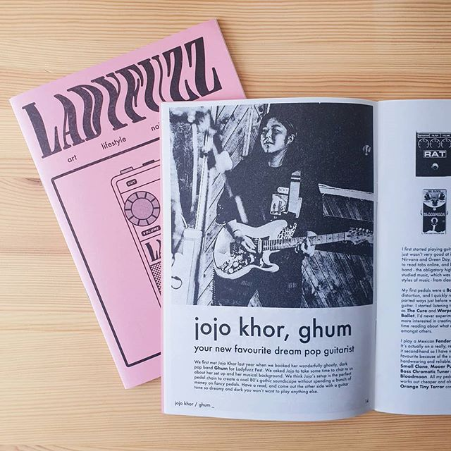 Jojo from @ghumband takes us through their set up, giving us a perfect example of an affordable effective set up for 80's gothic vibes. Read all about it in issue 7 now! ladyfuzz.bigcartel.com 💥