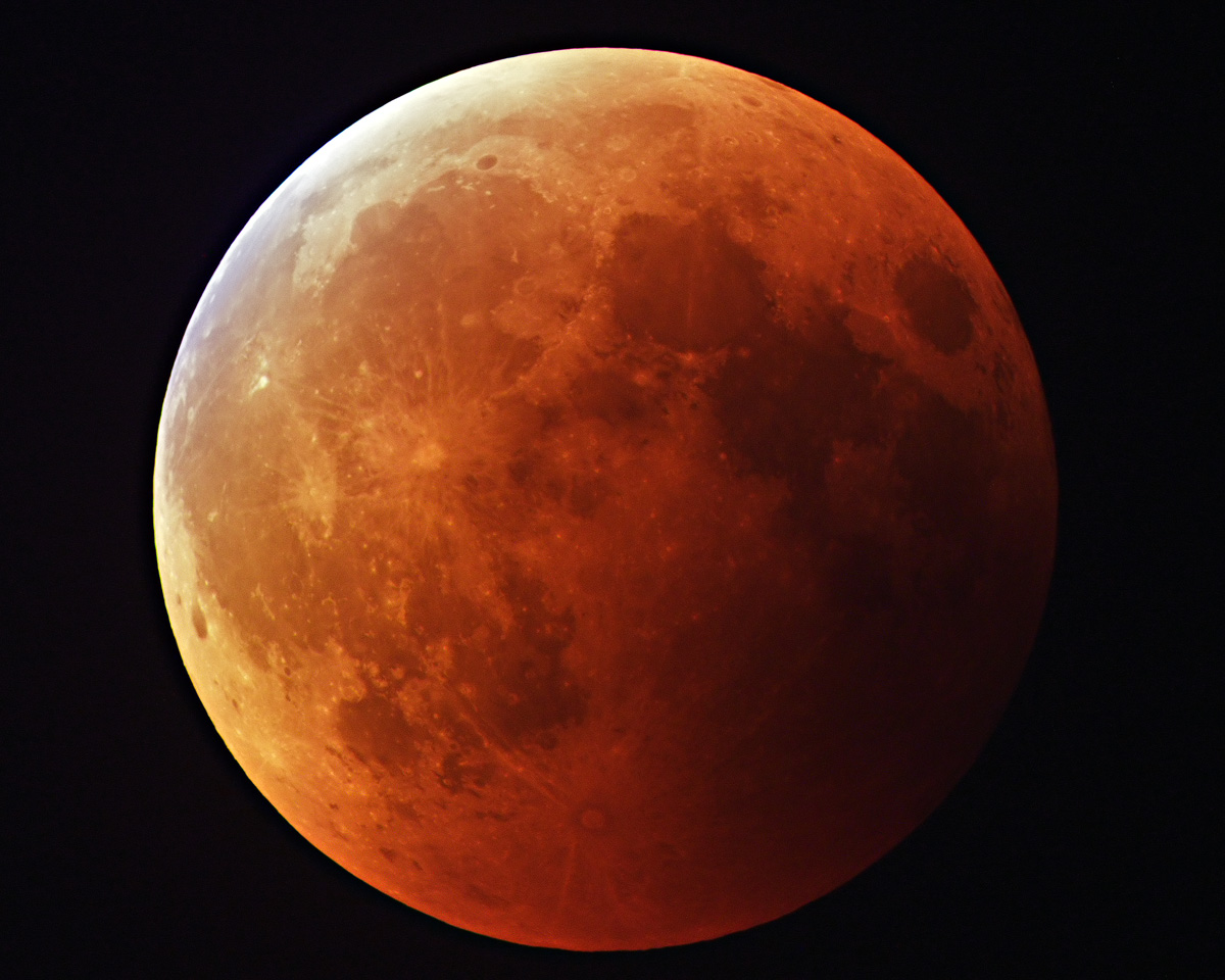 Lunar Eclipse with ST10
