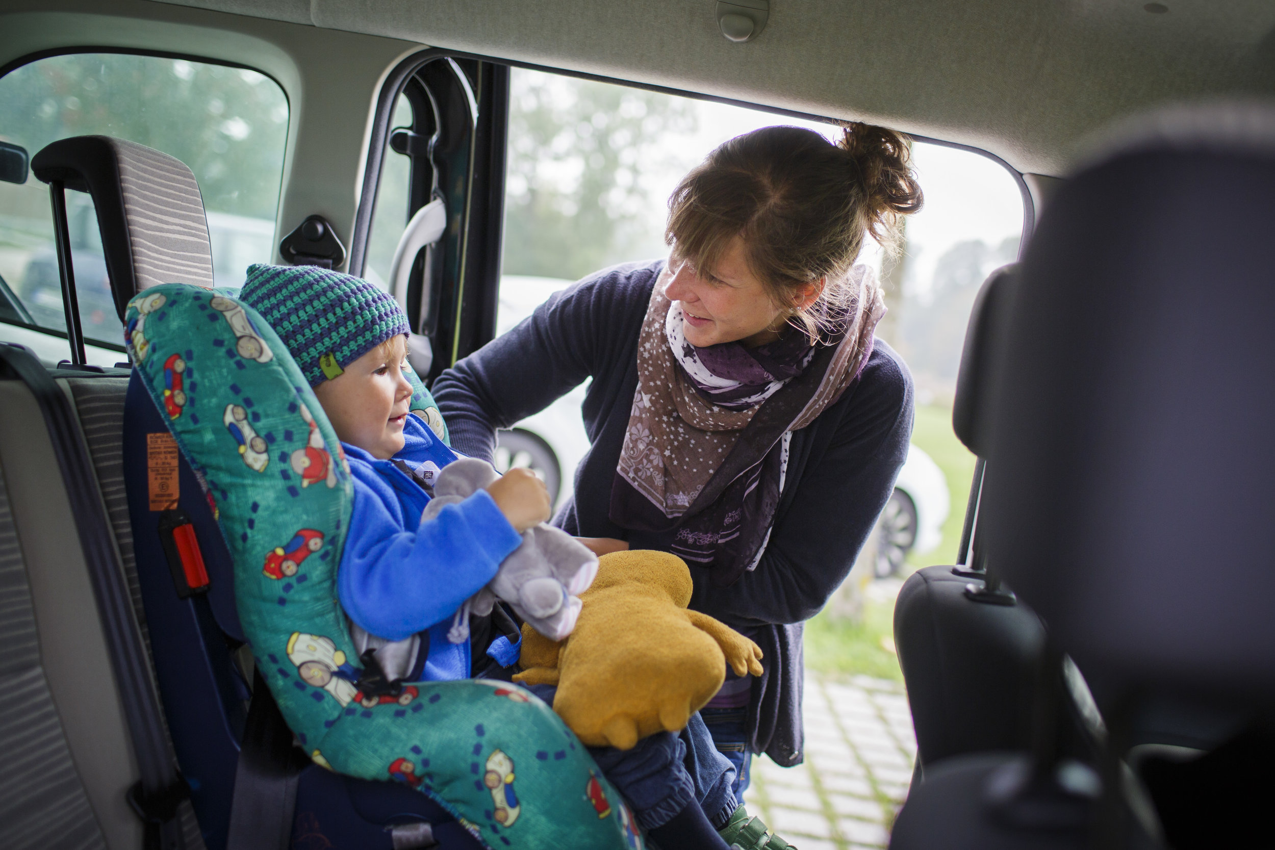 Keep Your Baby Warm and Cozy With the Best Winter Car Seat Covers