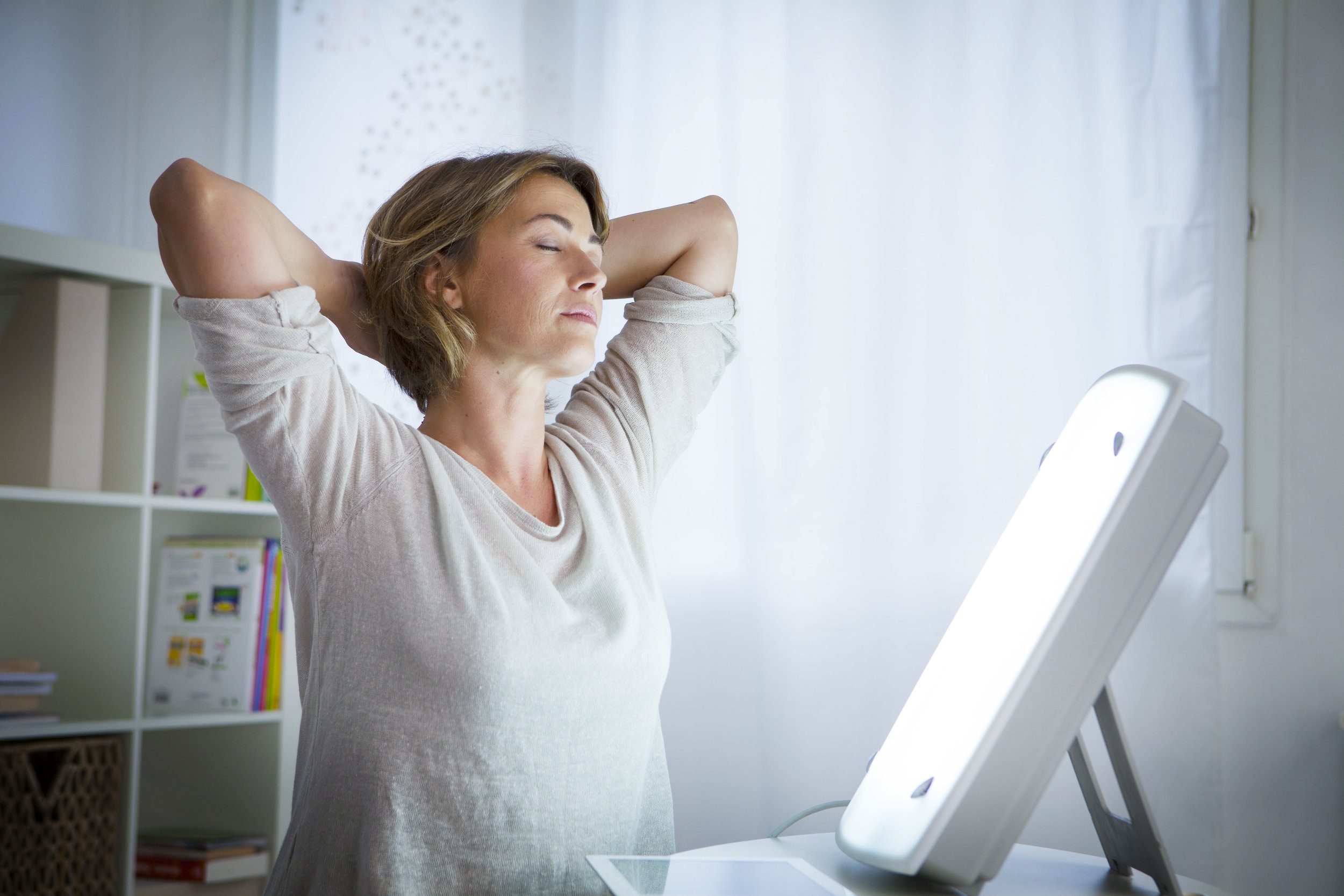 How Light Therapy Lamps Can Help Ease Seasonal Affective Disorder
