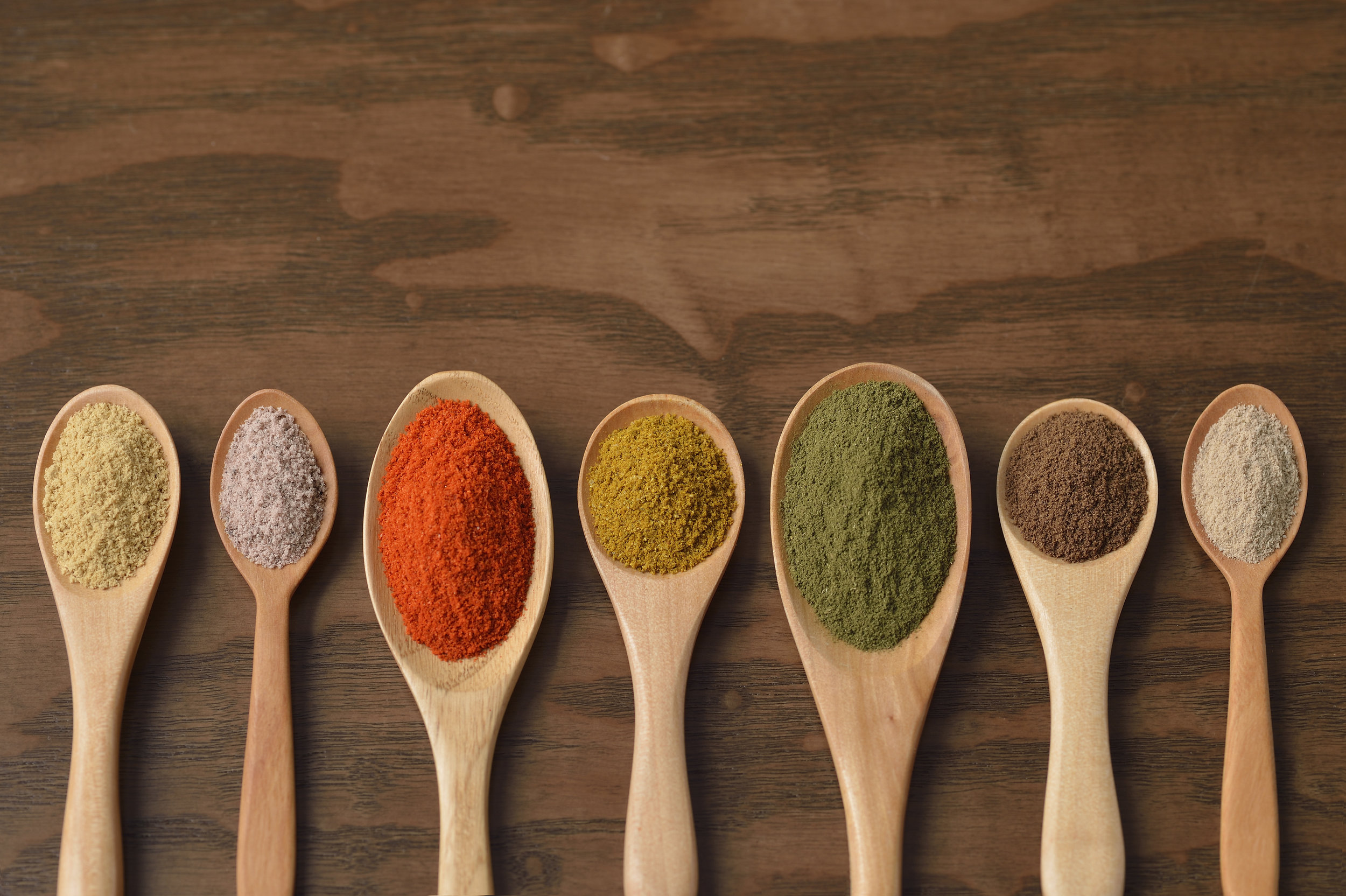 12 Lip-Smacking Superfood Powders That Pack a Nutritional Punch