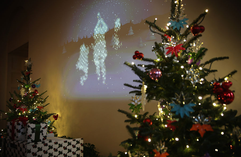 The 10 Best Christmas Projectors With White Lights