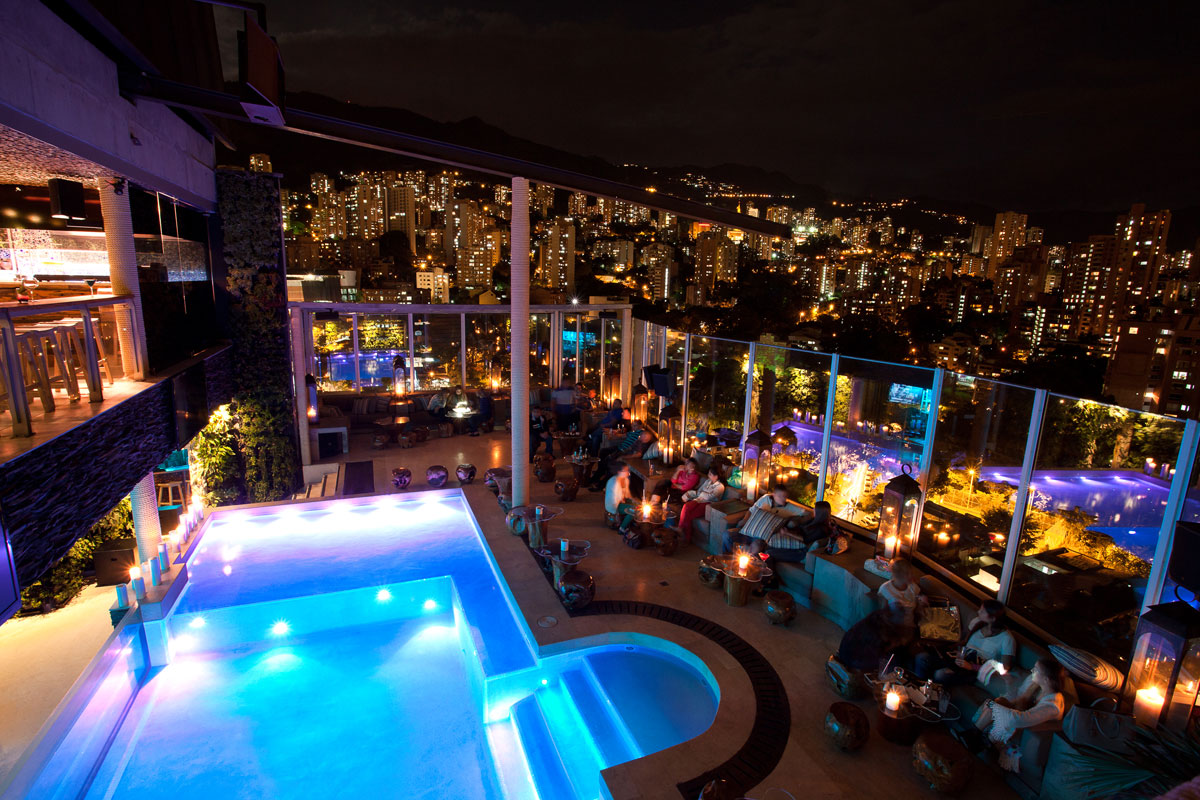 Envy Rooftop bar overlooking Parque Lleras and Medellín at the Charlee Lifestyle Hotel