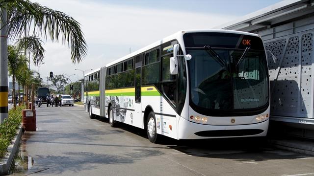 Metroplus bus at a metroplus bus station