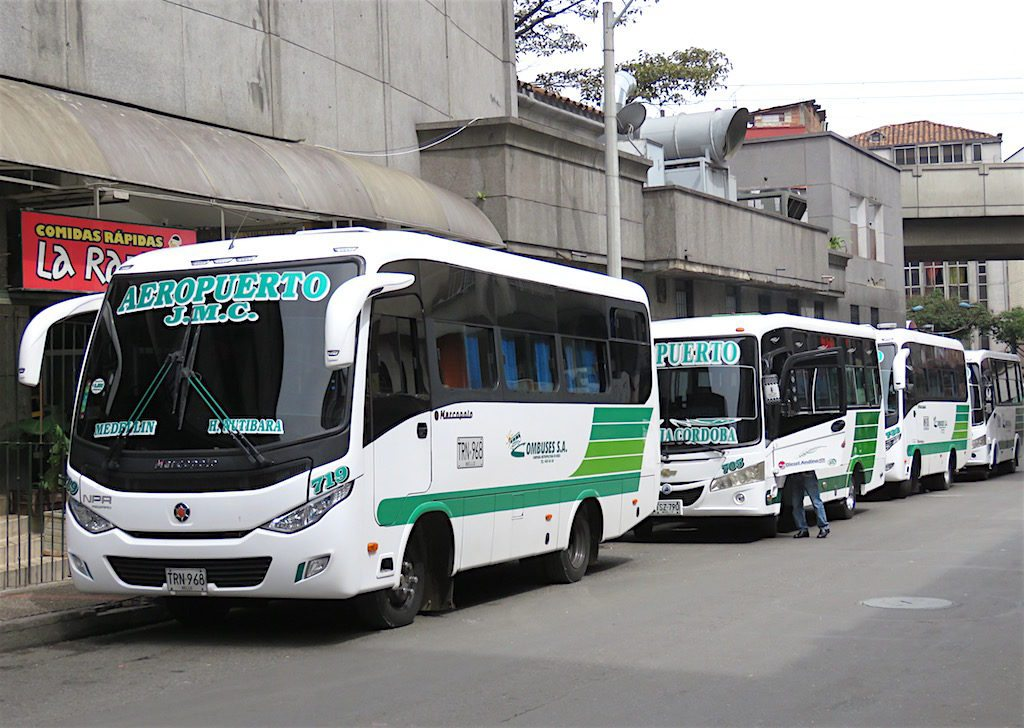 Bus from CC San Diego to Aeropuerto JMC.jpeg