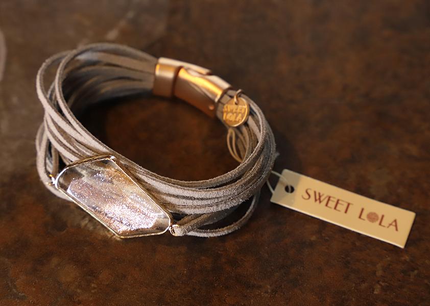 LeatherStrip_Bracelet_9792.png
