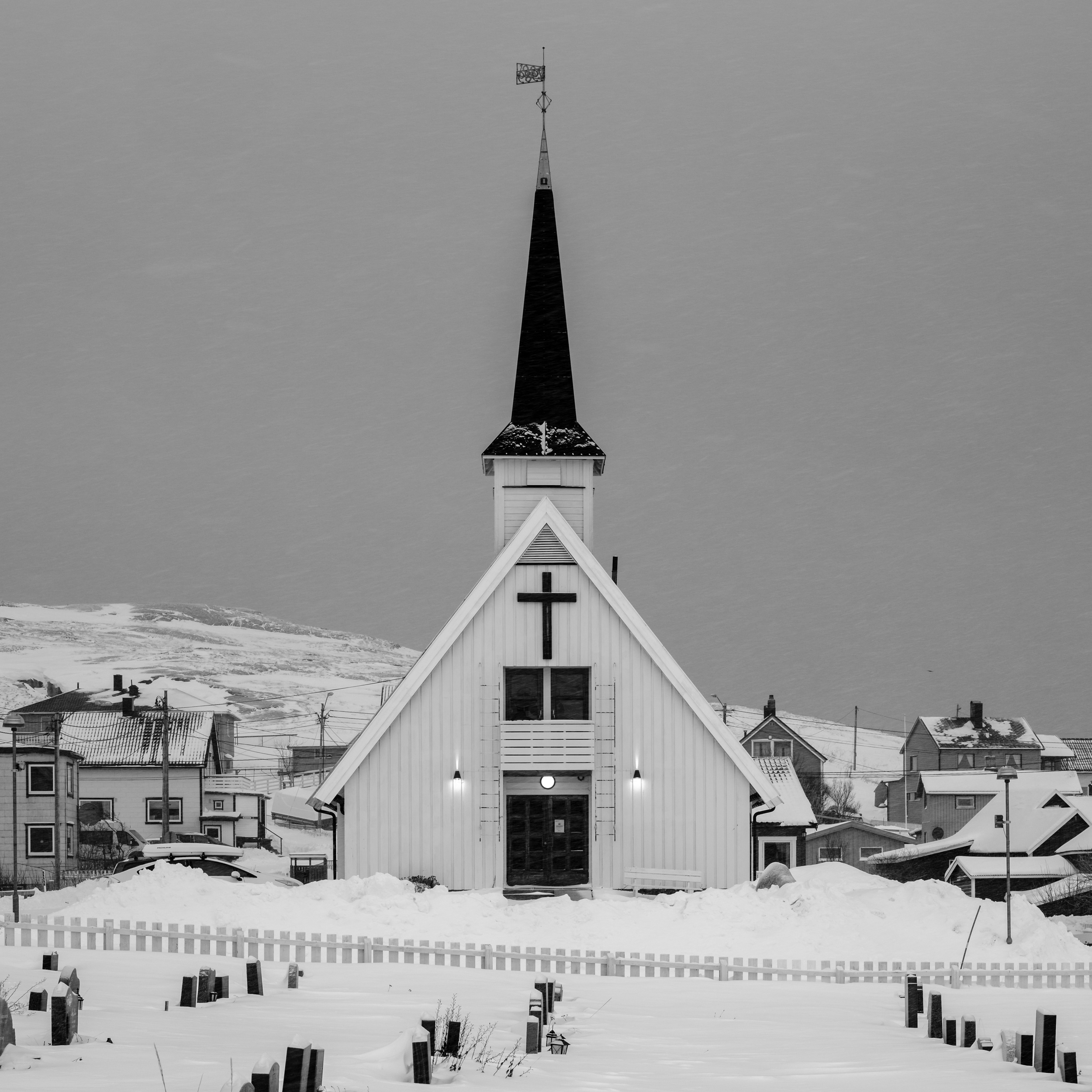 The church in Bugøynes / Fujifilm X-T3 56mm f/8.0 1/60 sec
